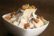 Salade César à la volaille, sauce tiède Parmigiano Reggiano