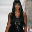 Naomi Campbell : une frange, plusieurs styles