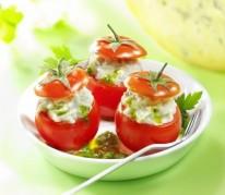 tomates-cerises-farcies-a-la-fourme-de-montbrison-et-son-coulis-de-persil
