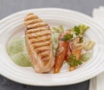 pave-de-saumon-ecossais-label-rouge-a-l-emulsion-de-cresson-carottes-a-l-ail