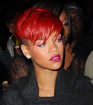 Rihanna-Punk_resize_diapo_h.jpg