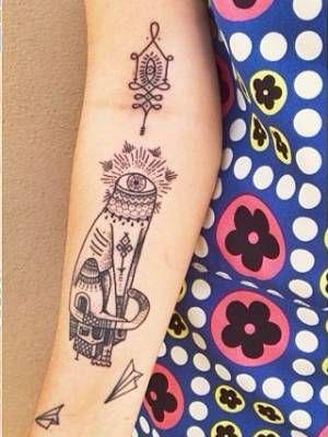 tatouage bras le tatouage graphique l 39 int rieur du. Black Bedroom Furniture Sets. Home Design Ideas