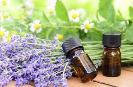 quelques gouttes d huile essentielle de lavande rem des naturels contre le mal de t te. Black Bedroom Furniture Sets. Home Design Ideas