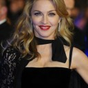 Madonna brushing wavy ok