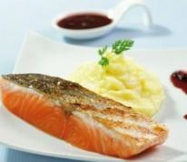 pave-de-saumon-label-rouge-grille-a-l-unilateral-et-puree-de-pommes-de-terre