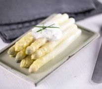 asperges-blanches-sauce-moutardee