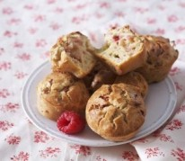 gateau-a-la-rhubarbe-et-aux-framboises