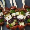 Brochettes de salade grecque