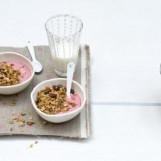 Granola au lassi framboises vanillées et fraises