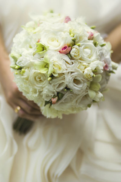 bouquet mari e rond blanc diaporama beaut doctissimo. Black Bedroom Furniture Sets. Home Design Ideas