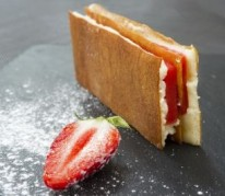 gaufrette-de-pomme-de-terre-et-son-palet-fraise-label-rouge-par-benjamin-toursel