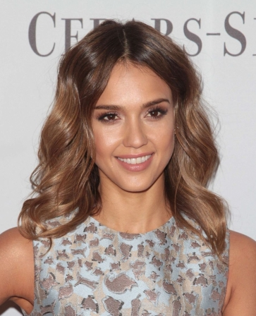 le tie and dye de jessica alba diaporama beaut doctissimo. Black Bedroom Furniture Sets. Home Design Ideas