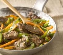 poelee-de-boeuf-de-chalosse-marine-aux-legumes-croquants