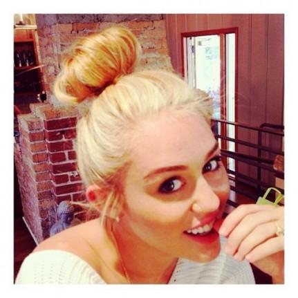 le blond platine de miley cyrus - Coloration Platine