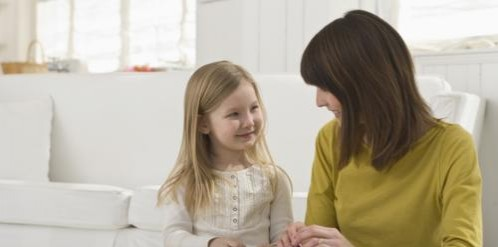 Trop complaisante avec votre enfant ?