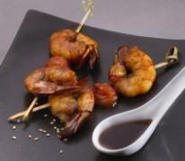 brochettes-de-crevettes-et-caramel-de-soja