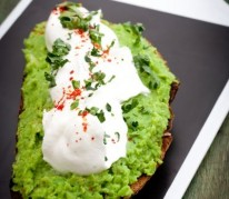 caviar-de-petits-pois-et-chantilly-salee