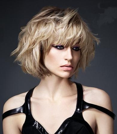 Coupe de cheveux frange courte joyce powell blog - Coupe courte avec frange droite ...