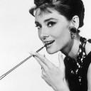chignon banane Audrey Hepburn