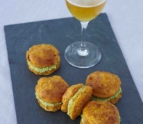 mini-whoopies-tomates-sechees-et-creme-d-avocat