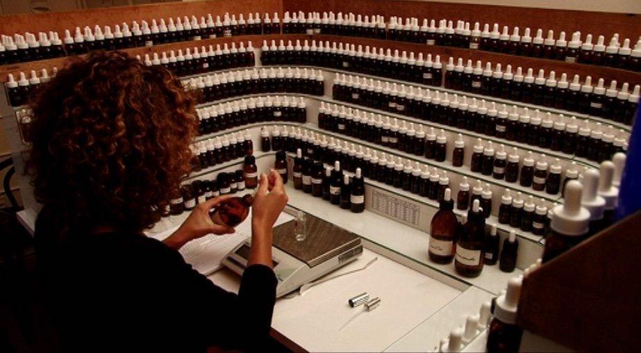 Créez votre propre parfum et donnez-lui un nom !