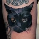 Tatouage chat noir en relief
