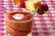 soupe-de-fraises-et-nectarines-au-yaourt-brasse