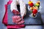 saucisse-seche-et-sa-brochette-de-legumes