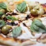 Pizza au fromage végétalien