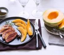 magret-de-canard-aux-epices-et-au-melon-de-nos-regions-caramelise