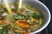 soupe-thai-de-moules-de-bouchot-de-la-baie-du-mont-saint-michel-a-la-citronnelle-et-a-la-coriandre