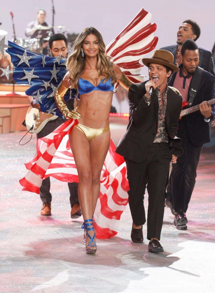 Lily Aldridge and Bruno Mars angel
