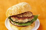burger-de-lapin-a-l-aioli-et-oignons-caramelises