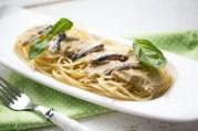 spaghettis-sauce-aux-aubergines-et-aux-anchois