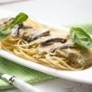 Spaghettis, sauce aux aubergines et aux anchois