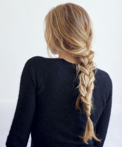 comment tre belle au r veil s 39 attacher les cheveux diaporama beaut doctissimo. Black Bedroom Furniture Sets. Home Design Ideas