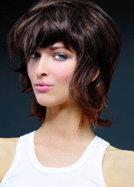 Coupes cheveux mi-longs automne-hiver 2016 @ Biguine - Diaporama Beauté - Doctissimo