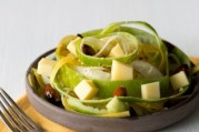 Salade de carottes, pommes vertes et fromage