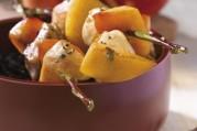 piquets-de-volaille-aux-nectarines-de-nos-regions-et-vinaigre-balsamique