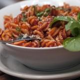 Fusilli, sauce aux poivrons (et crevettes)