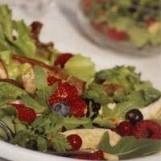 Salade tiède de pintadeau aux fruits rouges