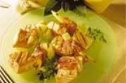 Brochettes de saumon au lard et au maïs