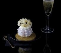 rosette-de-tete-de-moine-aoc-en-coque-d-oursin-parsemee-de-grains-de-caviar