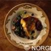 Escalope de skrei de norvège poêlée à la confiture d''oignons rouges aux airelles