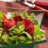 Salade de mâche et croustilles de betterave rouge
