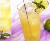 Cocktail à l'ananas et au citron