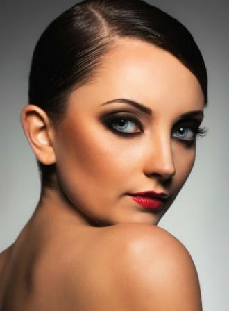 maquillage brune yeux bleus diaporama beaut doctissimo. Black Bedroom Furniture Sets. Home Design Ideas
