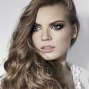Maquillage yeux bleus blonde