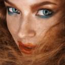 Maquillage yeux bleus rousse