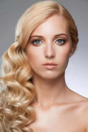 maquillage mari e yeux bleus blonde. Black Bedroom Furniture Sets. Home Design Ideas